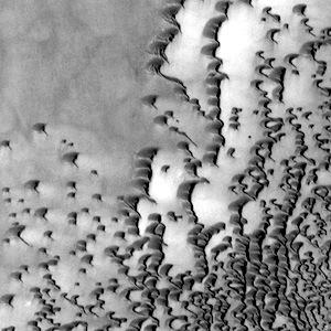 North polar dunes in Siton Undae (THEMIS_IOTD_20140530)