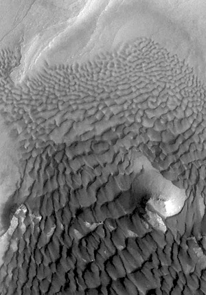 Dunes field in Rabe Crater (THEMIS_IOTD_20150206)