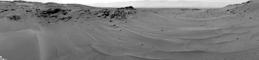 mars-rover-curiosity-msl-panoramic-terrain-drive-10k-sol957-PIA19391-br2