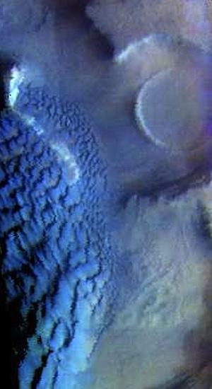 Rabe Crater dunes (THEMIS_IOTD_20150806)