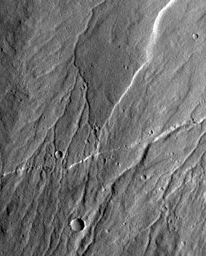 Ravius Valles on slopes of Alba Mons (THEMIS_IOTD_20150827)