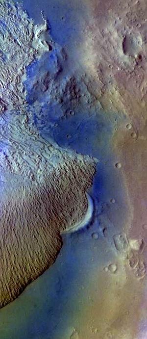 Becquerel Crater mound (THEMIS_IOTD_20150914)