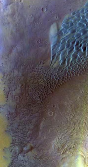 Dunes in Moreux Crater (THEMIS_IOTD_20150908)