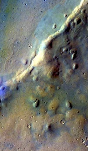 Tyndall Crater - false color (THEMIS_IOTD_20151030)
