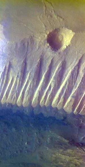 Candor Chasma (THEMIS_IOTD_20151130)