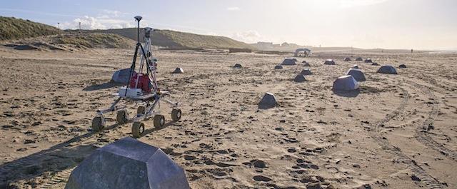 Rover_on_Katwijk_beach_node_full_image_2