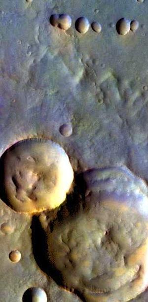 Multiple impacts in Ophir Planum (THEMIS_IOTD_20151231)