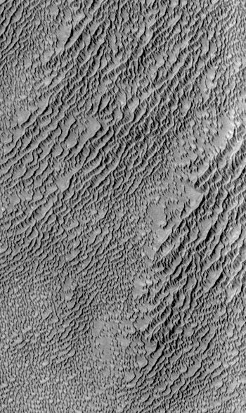 Sea of dunes in Siton Undae (THEMIS_IOTD_20160420)