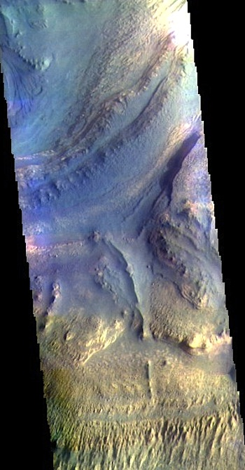 Down in Ganges Chasma (THEMIS_IOTD_20160722)