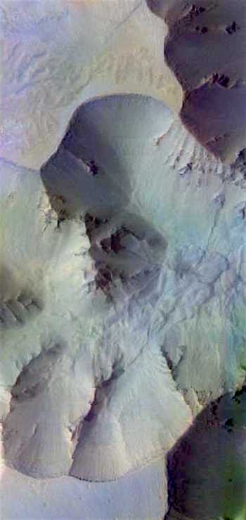 Canyon rubble in Juventae Chasma (THEMIS_IOTD_20160831)