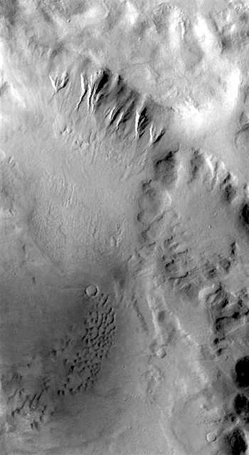 Gullies and dunes in Terra Sirenum (THEMIS_IOTD_20170116)