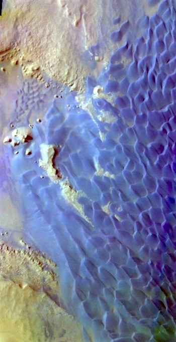 Rabe Crater sea of dunes (THEMIS_IOTD_20170118)