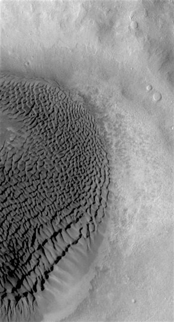 Noachis crater dunes (THEMIS_IOTD_20170331)