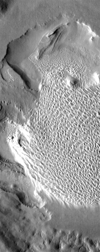 Rabe Crater dunes in infrared (THEMIS_IOTD_20170328)