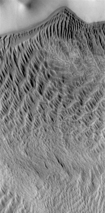 Complex winds in Charlier Crater (THEMIS_IOTD_20170406)