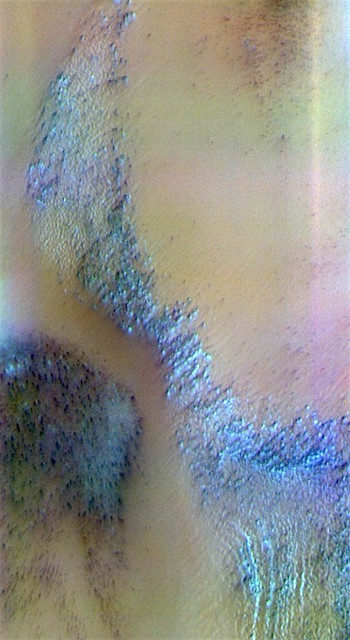 Mars south polar ice in false color (THEMIS_IOTD_20170417)