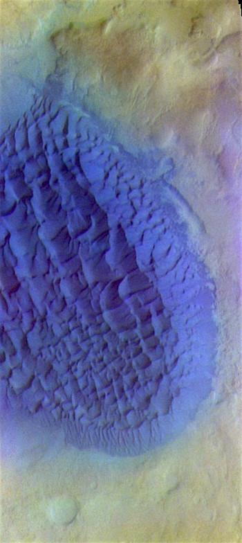 Matara Crater sand dunes (THEMIS_IOTD_20170420)