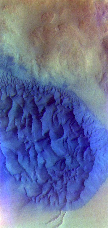 Noachis crater dunes in false color (THEMIS_IOTD_20170419)