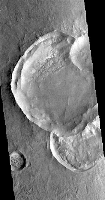 Triple strike on Solis Planum (THEMIS_IOTD_20170606)