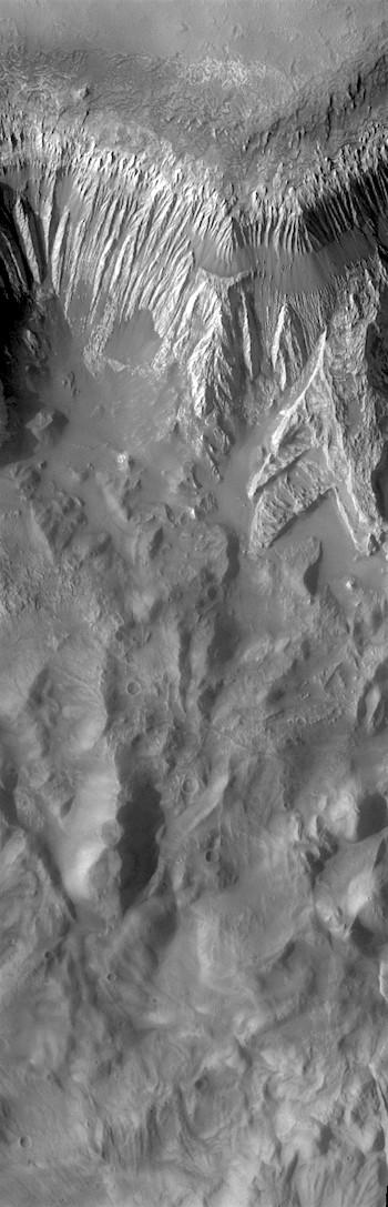 Hebes Chasma (THEMIS_IOTD_20170814)