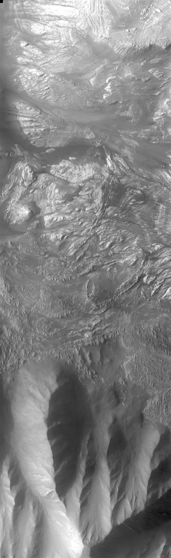 Landslides into Hebes Chasma (THEMIS_IOTD_20170815)