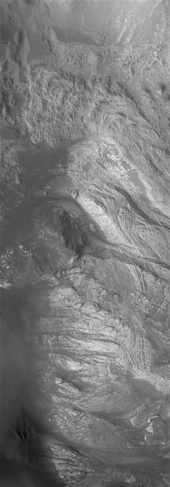 Western floor of Hebes Chasma (THEMIS_IOTD_20170818)