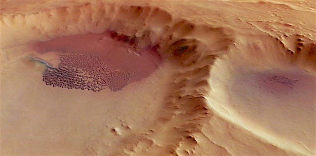 Dune_field_in_a_crater_perspective_view
