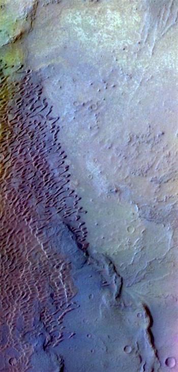 Nili Patera dunes in false color (THEMIS_IOTD_20171018)