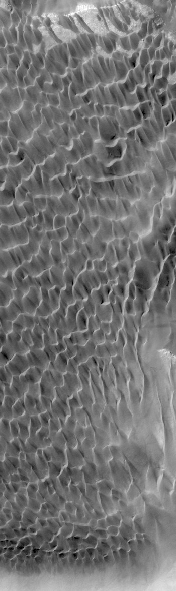 Sand sea in Rabe Crater (THEMIS_IOTD_20171213)