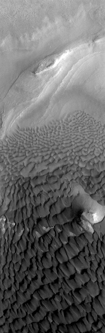 Topographically directed winds in Rabe Crater (THEMIS_IOTD_20171215)