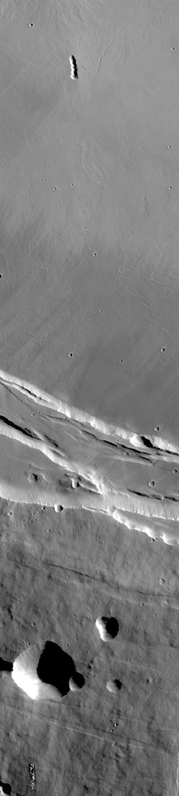 Caldera edge on Arsia Mons (THEMIS_IOTD_20180105)