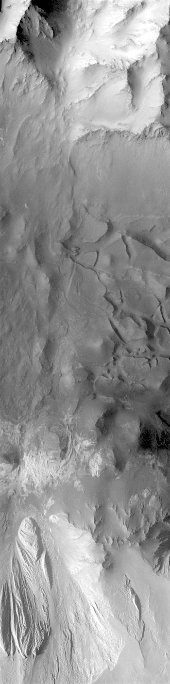 Canyon walls in Candor Chasma (THEMIS_IOTD_20180111)