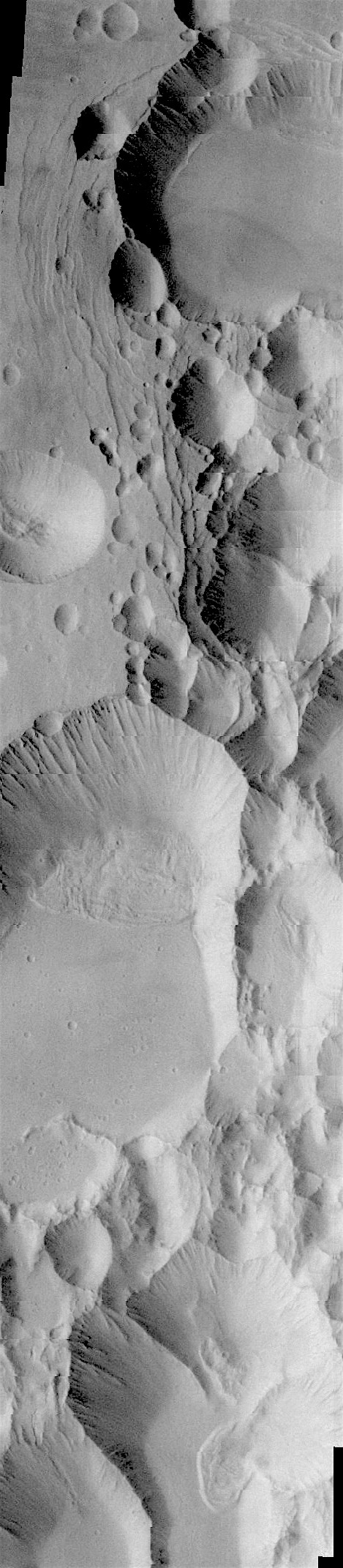 Chain of pit craters on Arsia Mons (THEMIS_IOTD_20180104)