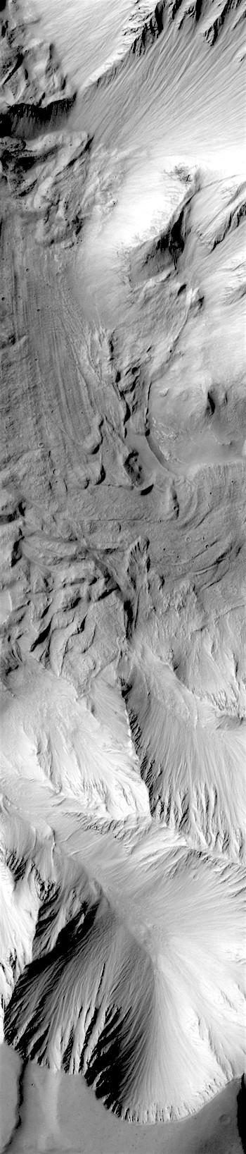 Chaotic debris on Tithonium Chasma floor (THEMIS_IOTD_20180216)