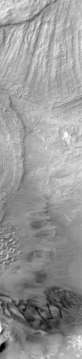 Colliding landslides in Isu Chasma (THEMIS_IOTD_20180228)