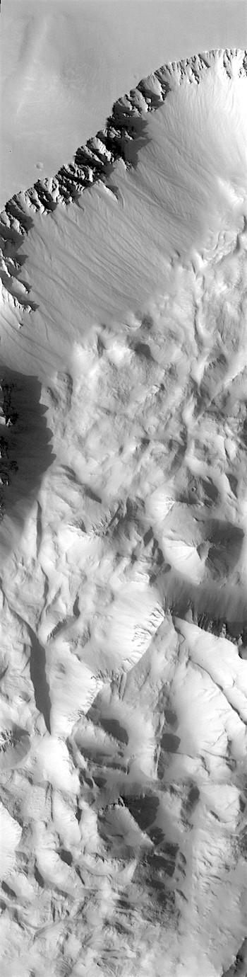 Ius Chasma's blocky rubble (THEMIS_IOTD_20180220)