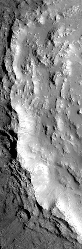 Bamberg Crater's complex rim (THEMIS_IOTD_20180426)
