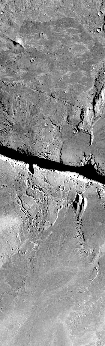 Cerberus Fossae source of floods (THEMIS_IOTD_20180522)