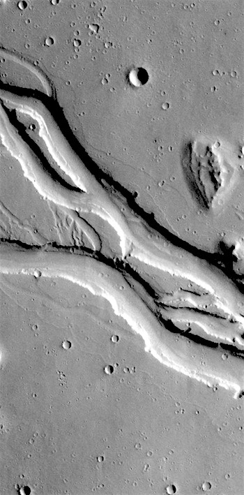 Channels in Hebrus Valles (THEMIS_IOTD_20180523)
