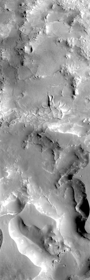 Complex erosion in Nili Fossae (THEMIS_IOTD_20180529)