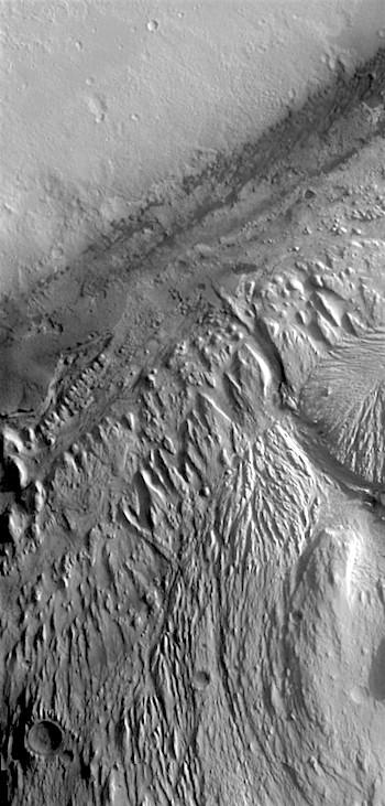 Gale Crater (THEMIS_IOTD_20180515)
