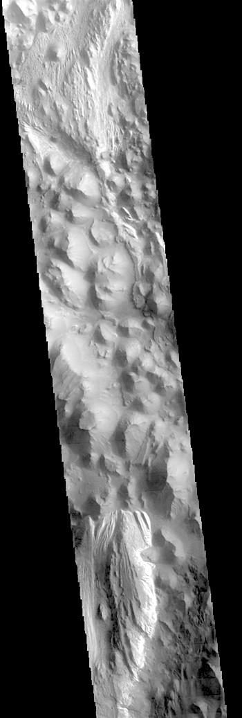 Juventae Chasma (THEMIS_IOTD_20180501)