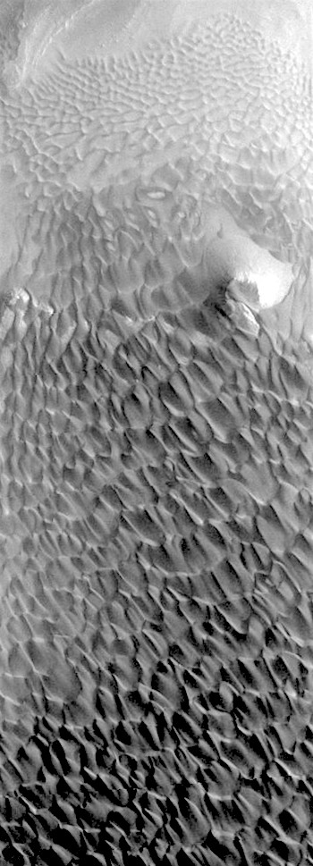 Dune cascade in Rabe Crater (THEMIS_IOTD_20180619)
