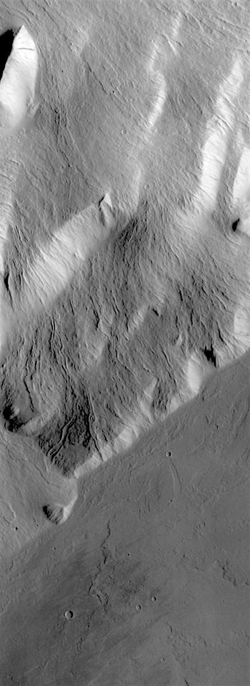 Volcano edge (THEMIS_IOTD_20180712)