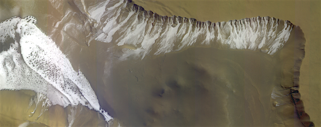 Frosty_crater_on_Mars