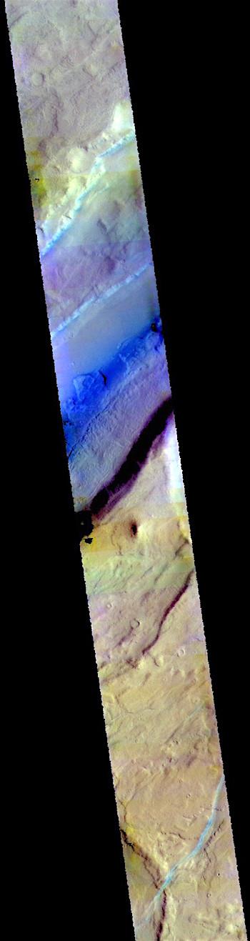 Tempe Fossae graben in false color (THEMIS_IOTDS_20181026)