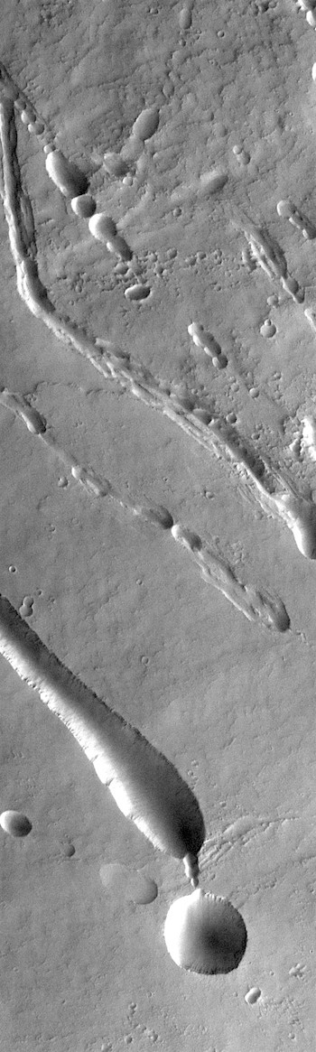 Pit-chains and craters on Ascraeus Mons (THEMIS_IOTD_20181107)