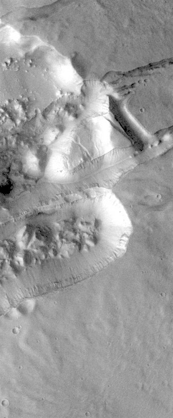 Faulting and collapse in Sirenum Fossae (THEMIS_IOTD_20181219)