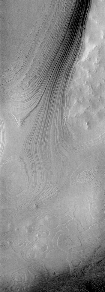 Polar  ice cap layers (THEMIS_IOTD_20181231)