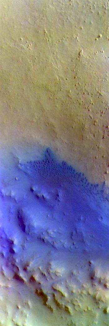 Arabia Terra crater dunes (THEMIS_IOTD_20190415)